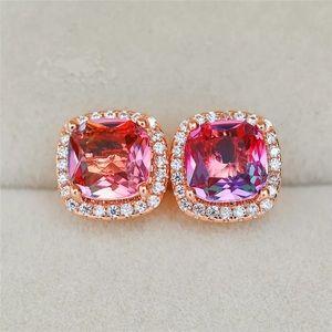 Jewelry - NWOT rose gold earrings